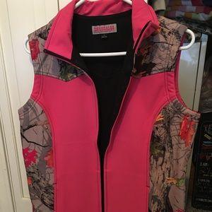 Pink & camo women's size L vest